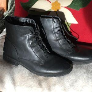 Kohl's Sonoma all Leather walking boots Heel zip